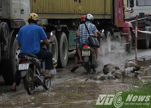 Anh: Tac duong hang chuc km tren 'con duong cat bui' khung khiep bac nhat Hai Phong hinh anh 5