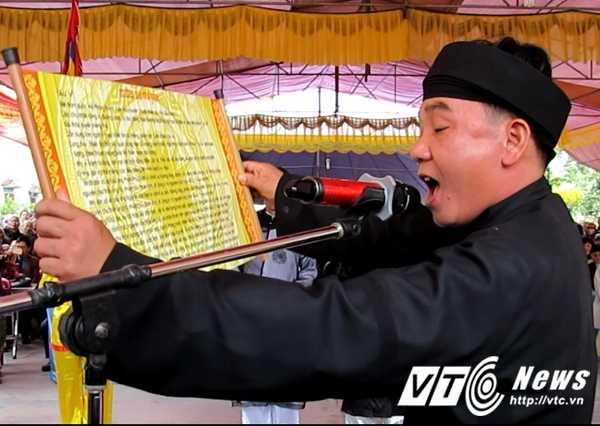 Le hoi 'the khong tham nhung' vang bong 'quan lon': 'The truoc ban dan thien ha, nhieu nguoi so chot da' hinh anh 2