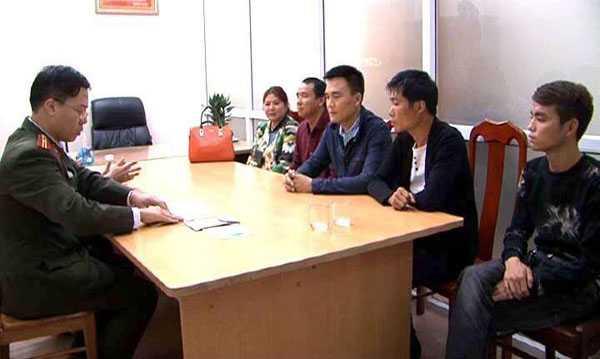 Xu phat 4 nguoi Trung Quoc nhap canh trai phep vao Viet Nam de... tham vinh Ha Long hinh anh 1