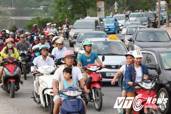 Xu phat hon 2.700 truong hop vi pham giao thong tai Quang Ninh, Hai Phong hinh anh 3