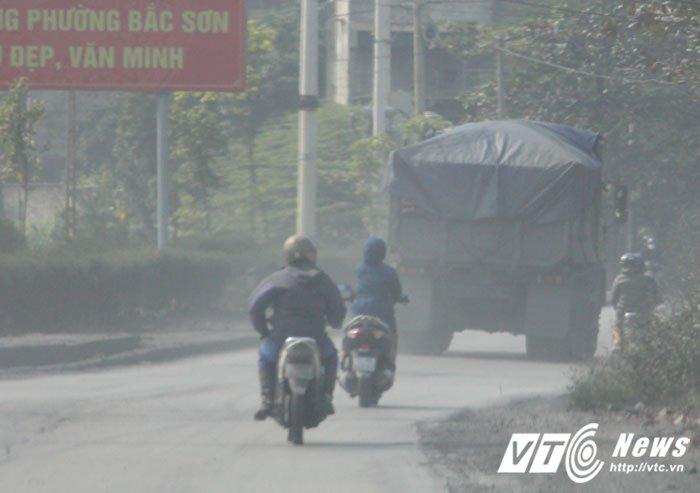 Anh: Can canh con duong mit mu bui than khien nguoi dan khiep dam o Quang Ninh hinh anh 10