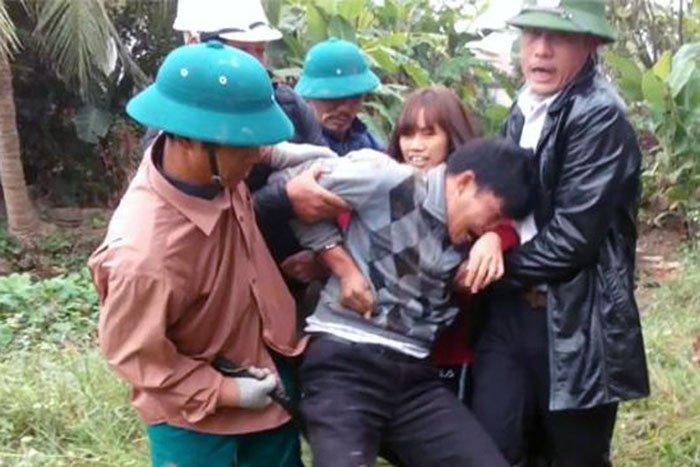 Cong tay dan phai xin loi o Hai Phong: Dinh chi cong tac 2 cong an xa hinh anh 1
