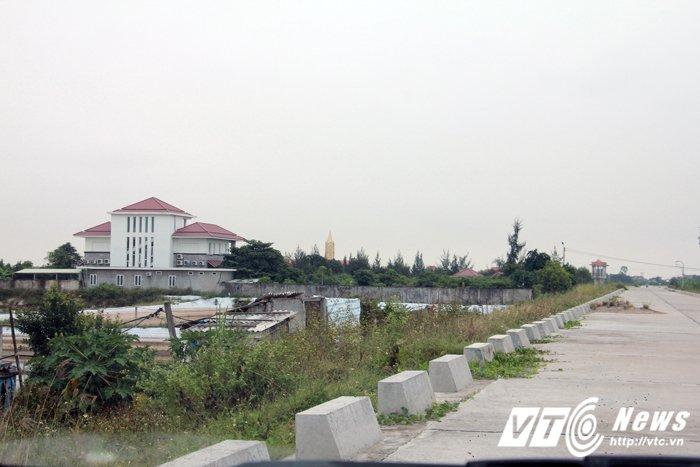 'Biet phu' xay dung trai phep trong hanh lang de Hai Phong: So Xay dung noi gi? hinh anh 2