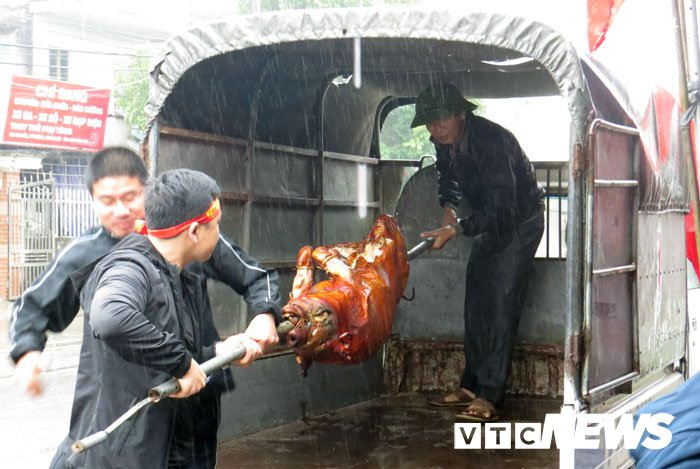 Que cau thu Van Thanh quay lon, mo dai tiec co vu U23 Viet Nam hinh anh 6