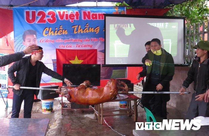 Que cau thu Van Thanh quay lon, mo dai tiec co vu U23 Viet Nam hinh anh 7