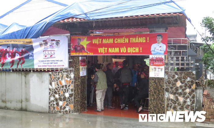 Que cau thu Van Thanh quay lon, mo dai tiec co vu U23 Viet Nam hinh anh 9