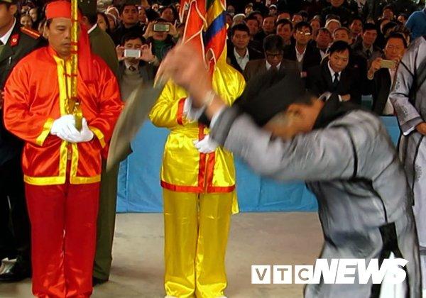 Hoi the khong tham nhung o Hai Phong, Chu tich huyen: 'Ai di the voi than linh, vi pham phap luat a!' hinh anh 1