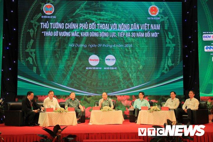 Thu tuong lan dau tien doi thoai voi nong dan Viet Nam hinh anh 1