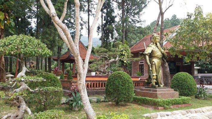 Thuc hu thong tin 'biet phu hoanh trang nhat Quang Ninh' tren dat rung hinh anh 2