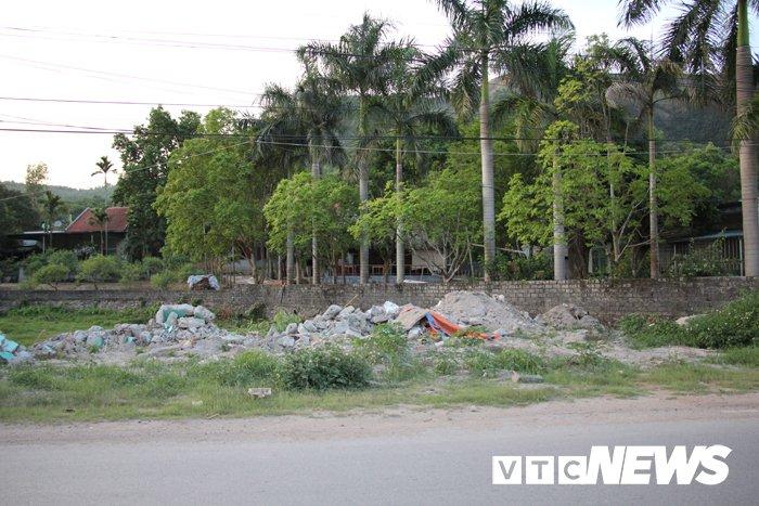 'Huynh de tuong tan' o Van Don, Quang Ninh: Sot dat dai 'sot' luon tinh huynh de hinh anh 3