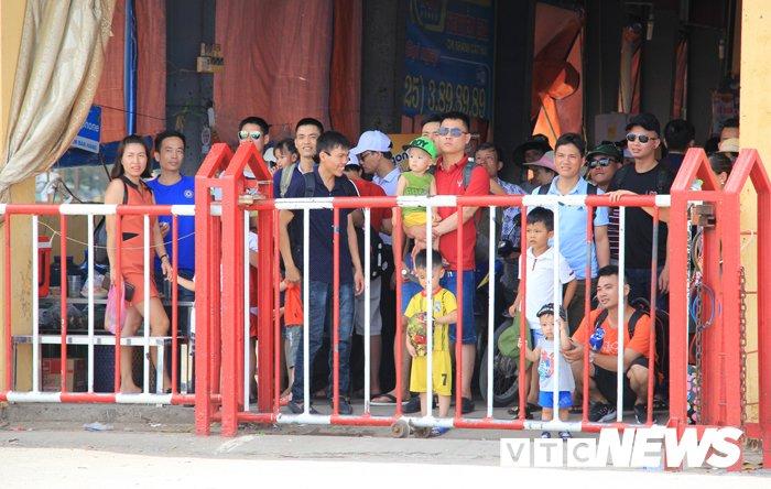 Anh: Hai Phong cam xe khach tu 29 cho qua pha Got ra Cat Ba vao cuoi tuan hinh anh 5