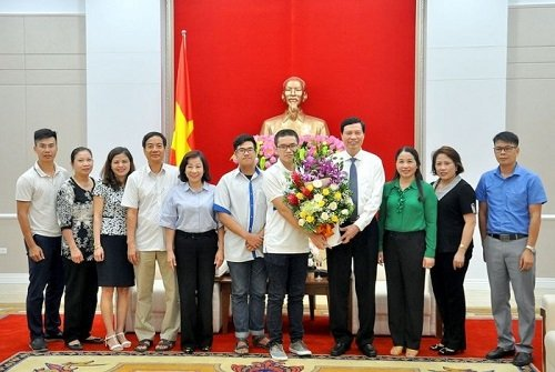 Quang Ninh mo dai nhac hoi co vu thi sinh vao chung ket Duong len dinh Olympia 2018 hinh anh 1