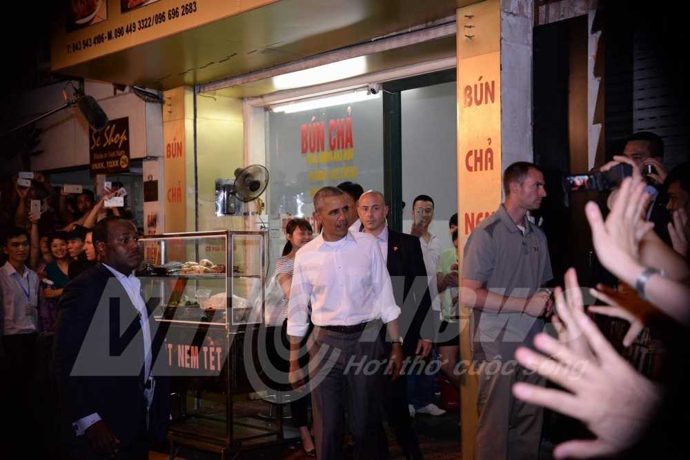 Cong dong mang ban tan dieu gi nhieu nhat khi ong Obama tham Viet Nam? hinh anh 1