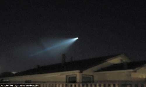 Cuu ky su NASA giai ma cac gia thuyet ve UFO hinh anh 3