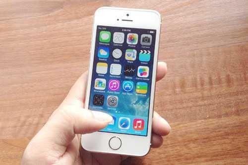 iPhone 5s chinh hang tiep tuc mat gia hinh anh 1