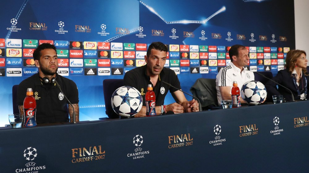 Buffon nho dong doi day cach vo dich Champions League hinh anh 1