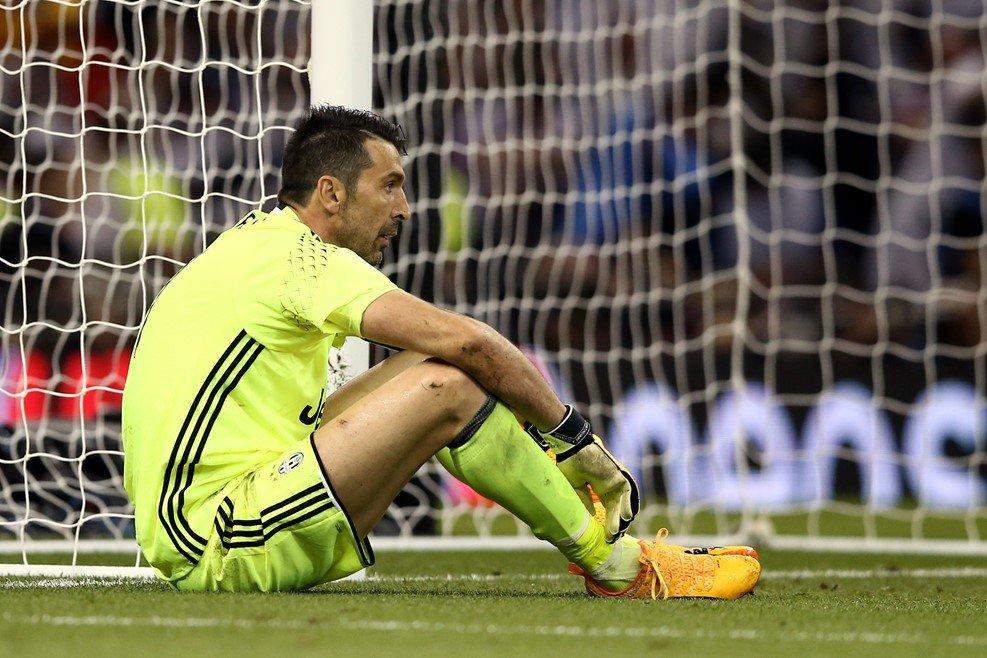 Tong ket cup C1 2017: An tuong Ronaldo, buon cho Buffon, Mbappe dang gia 100 trieu euro hinh anh 2