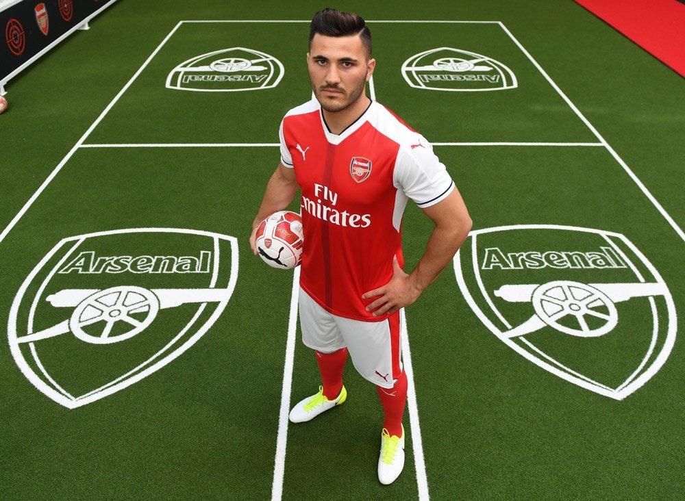 Arsenal chinh thuc co tan binh dau tien hinh anh 1