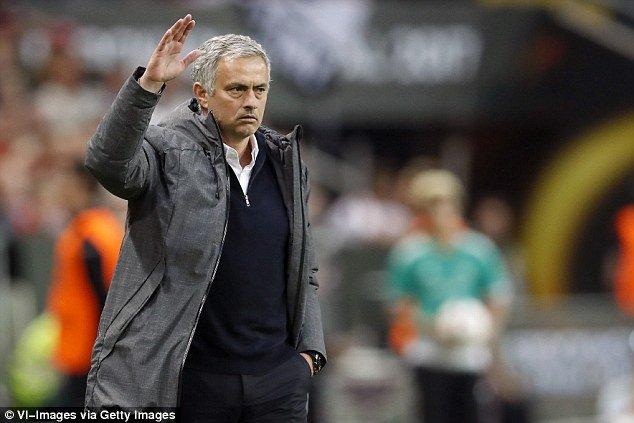 HLV Mourinho bi cao buoc tron thue 3,3 trieu Euro hinh anh 1