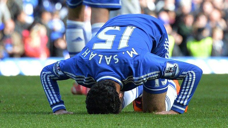 'Messi Ai Cap': Tu hang thai Chelsea den bom tan cua Liverpool hinh anh 2