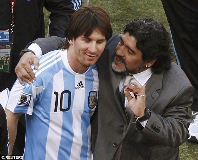 Maradona vui ve benh Messi du khong duoc moi du dam cuoi hinh anh 1