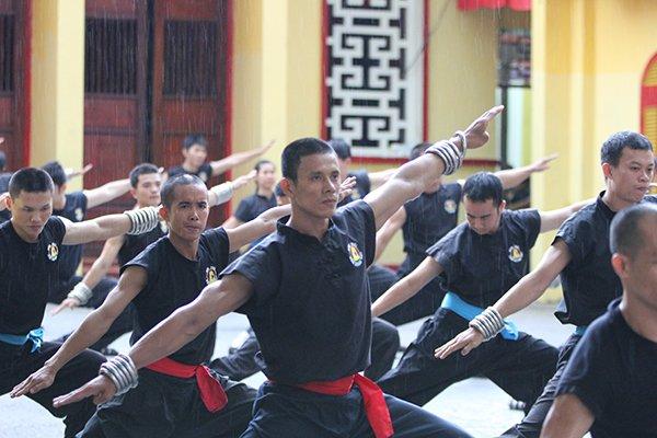 Dinh Nam Chon la di tich, Nam Huynh Dao phai mo cong don khach hinh anh 1