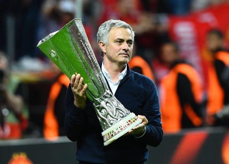 Mourinho: Toi khong co gang thong minh hon nguoi khac hinh anh 1