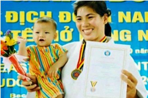 Nha vo dich SEA Games Nguyen Thi Nhu Y: Cuoc doi chua duoc nhu y hinh anh 2