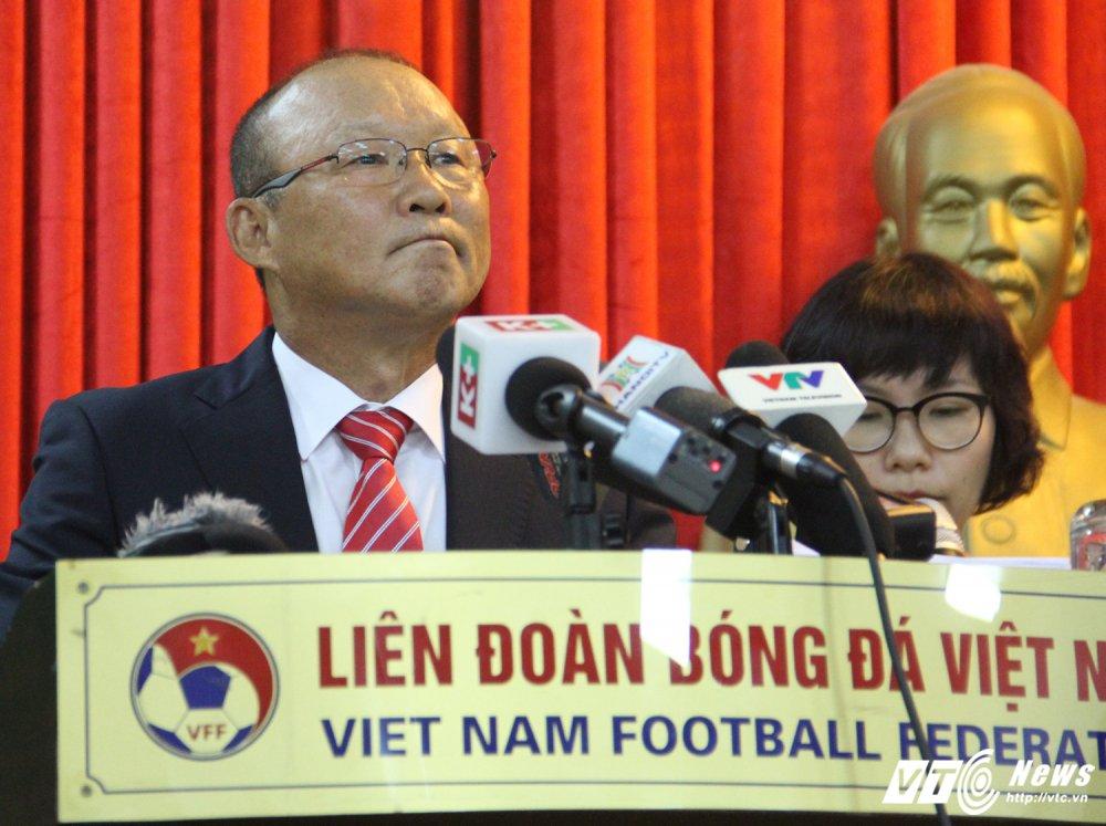 HLV Park Hang Seo: 'Toi se dua tuyen Viet Nam len top 100 the gioi' hinh anh 1