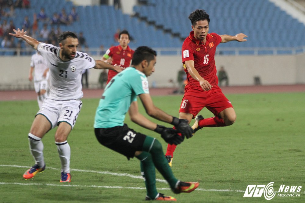 HLV Park Hang Seo: Cong Phuong da khong kem, se thanh tru cot tuyen Viet Nam hinh anh 1