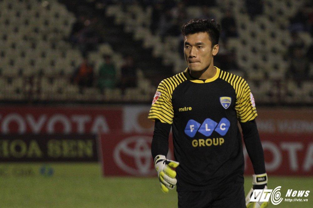 Video truc tiep FLC Thanh Hoa vs TP.HCM vong 2 V-League 2018 hinh anh 6