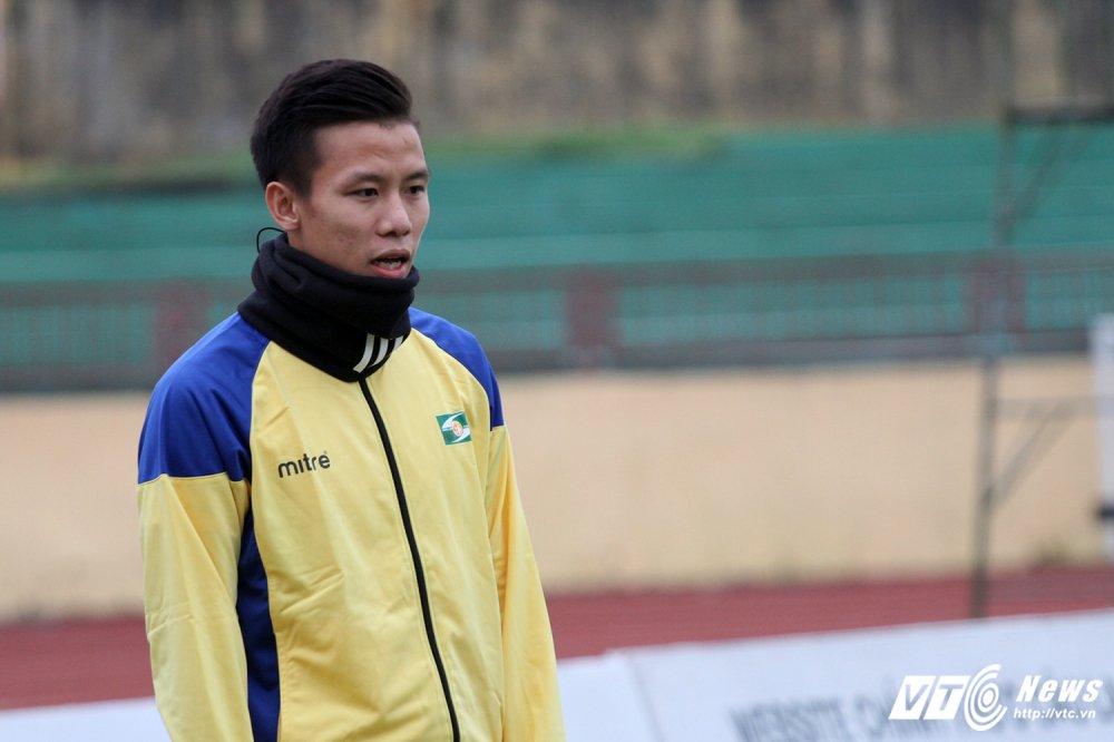 Video truc tiep Than Quang Ninh vs Ha Noi vong cuoi V-League 2017 hinh anh 9