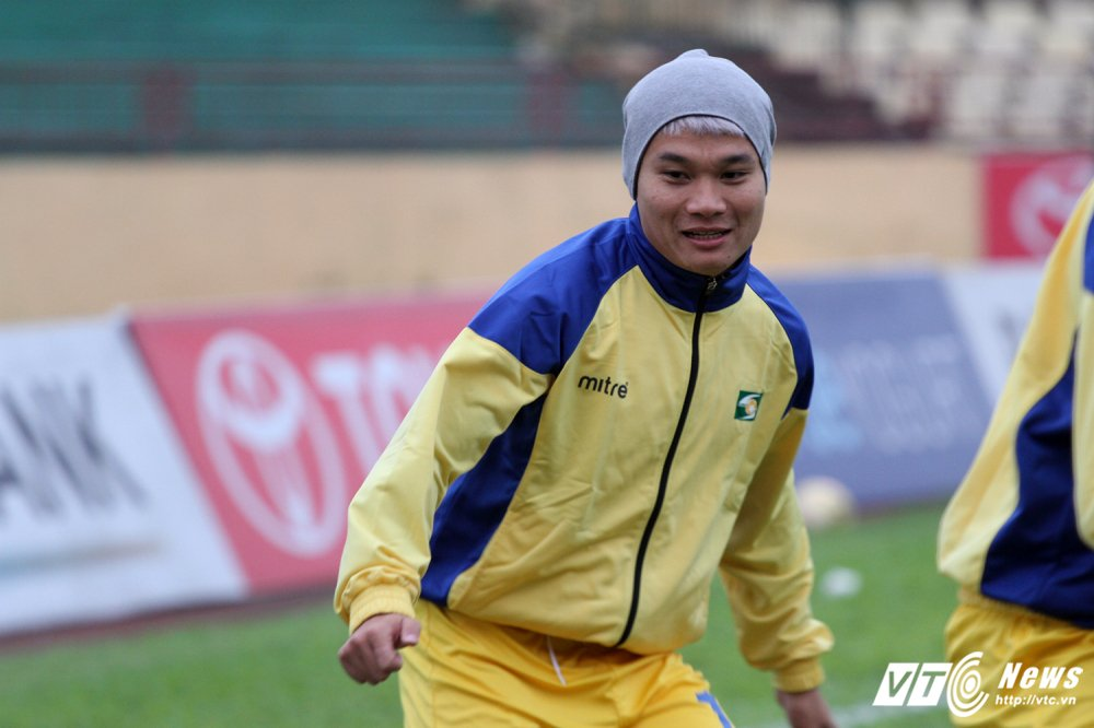 Video truc tiep Than Quang Ninh vs Ha Noi vong cuoi V-League 2017 hinh anh 8