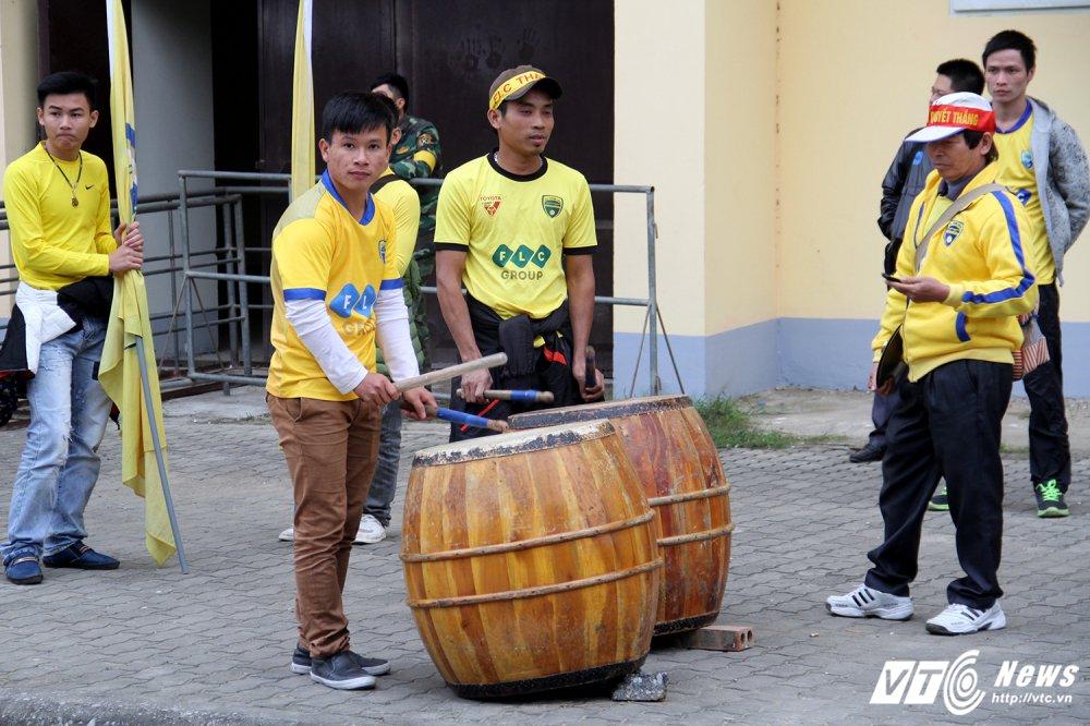Video truc tiep Than Quang Ninh vs Ha Noi vong cuoi V-League 2017 hinh anh 12