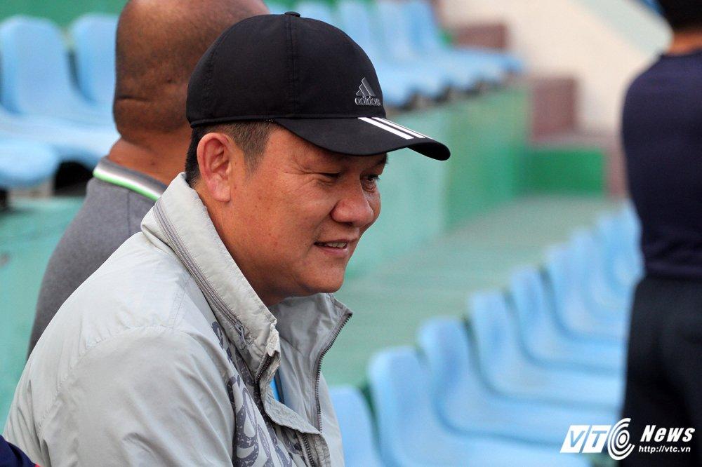 Thay Cong Phuong di hoc, ghe tham quan bau Duc o U23 Viet Nam hinh anh 1