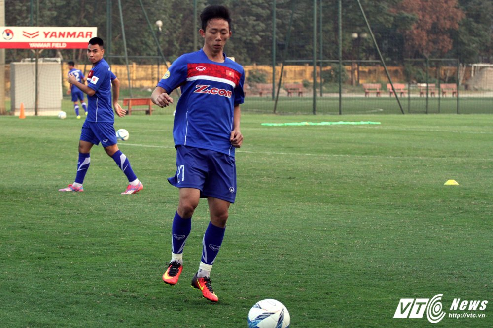 Thay Cong Phuong di hoc, ghe tham quan bau Duc o U23 Viet Nam hinh anh 2