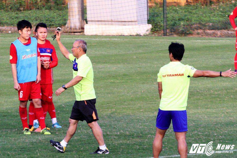 Cong Phuong va dong doi cham hieu, HLV Park Hang Seo ho het khan co hinh anh 6