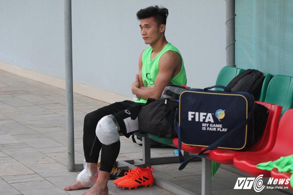 Di chan dat ve phong, cau thu U23 Viet Nam bi HLV Park Hang Seo nhac nho hinh anh 2