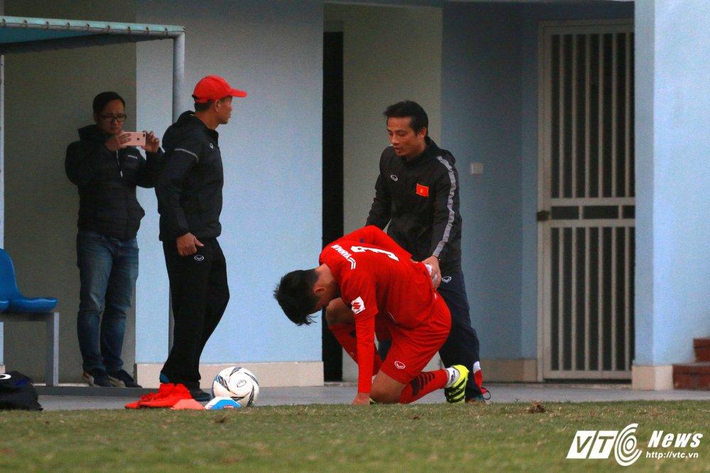 Ngan Cong Phuong ghi ban, hau ve U23 Viet Nam gia nhap nhom 'thuong binh' hinh anh 2