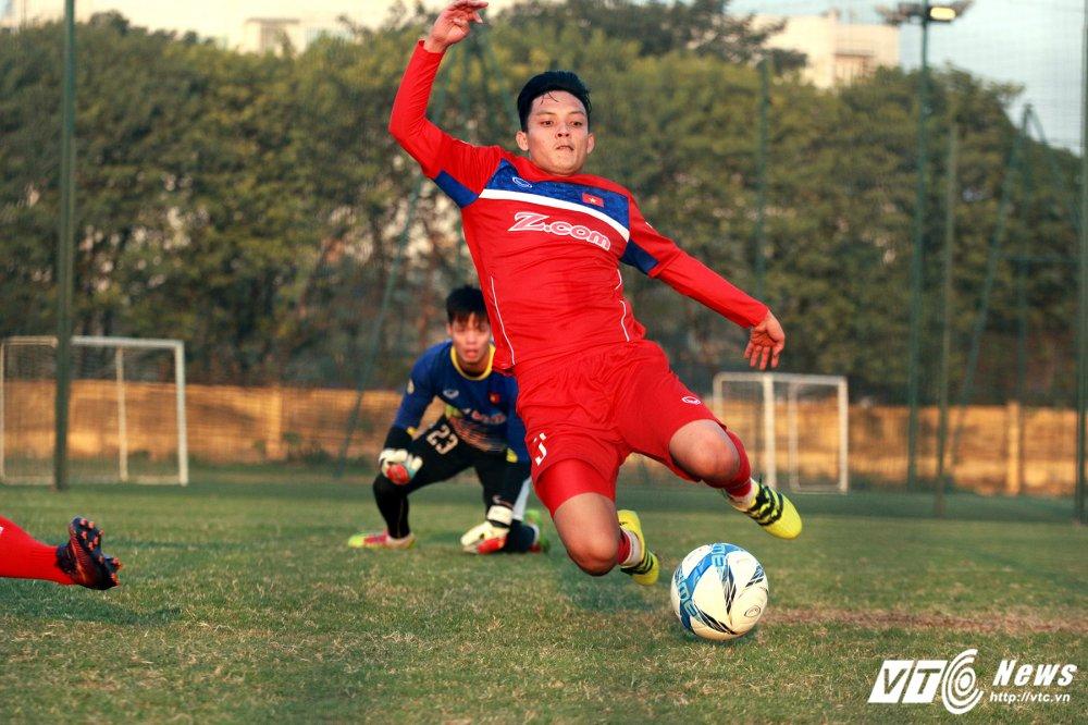 Ngan Cong Phuong ghi ban, hau ve U23 Viet Nam gia nhap nhom 'thuong binh' hinh anh 1