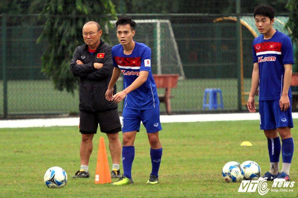 Kho khan cho HLV Park Hang Seo: U23 Viet Nam khong phai tuyen quoc gia hinh anh 2