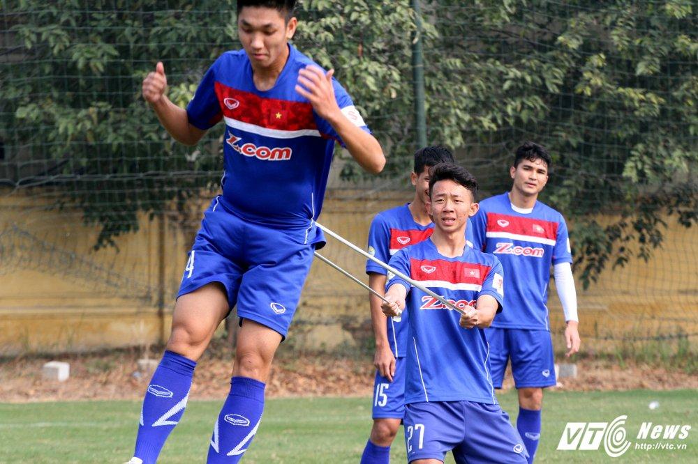 Het Giang Sinh, U23 Viet Nam lai bo hoi tai tap the luc hinh anh 3