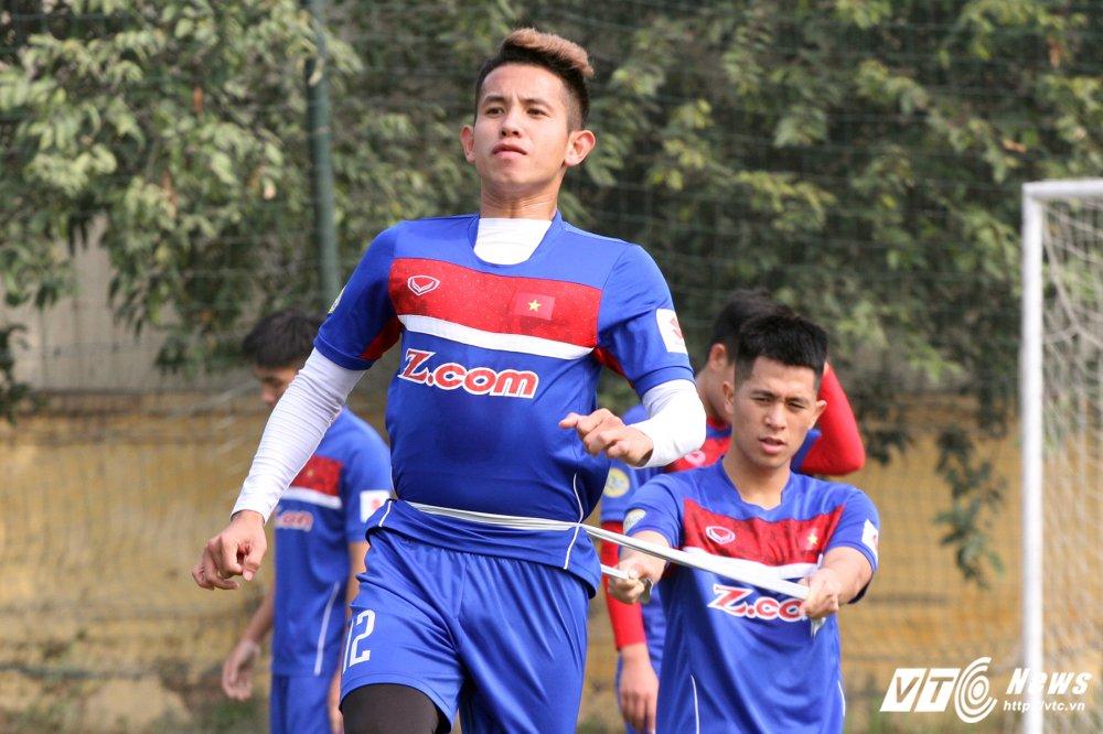 Het Giang Sinh, U23 Viet Nam lai bo hoi tai tap the luc hinh anh 1