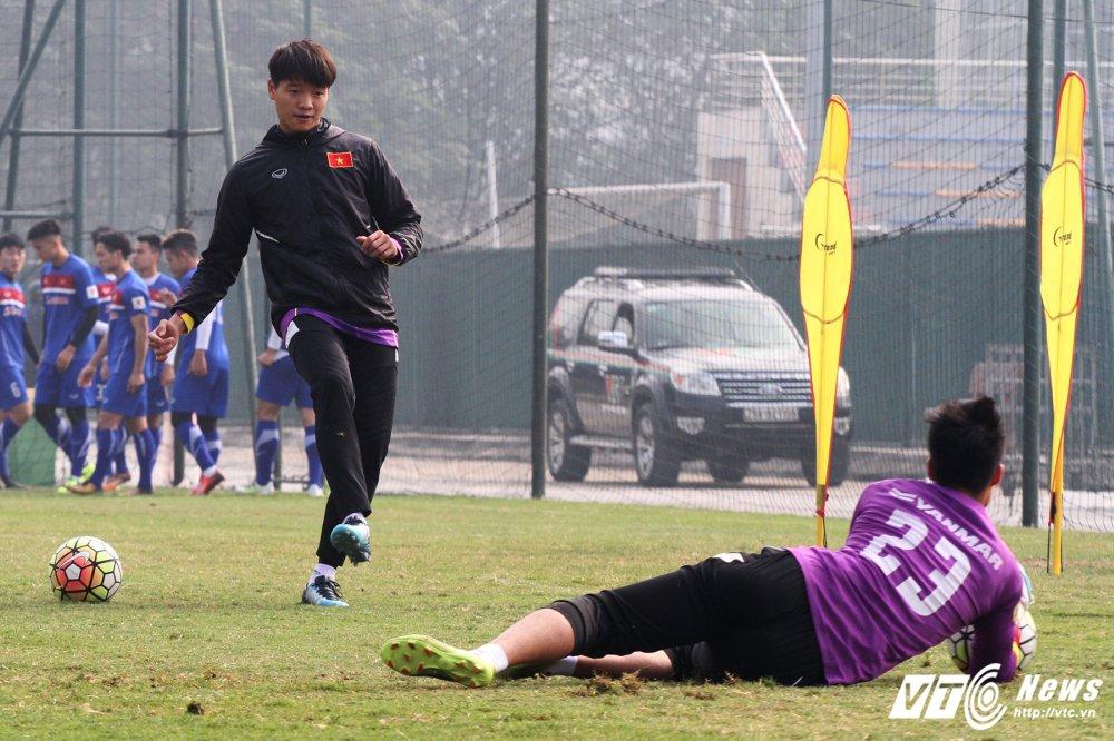 Het Giang Sinh, U23 Viet Nam lai bo hoi tai tap the luc hinh anh 7