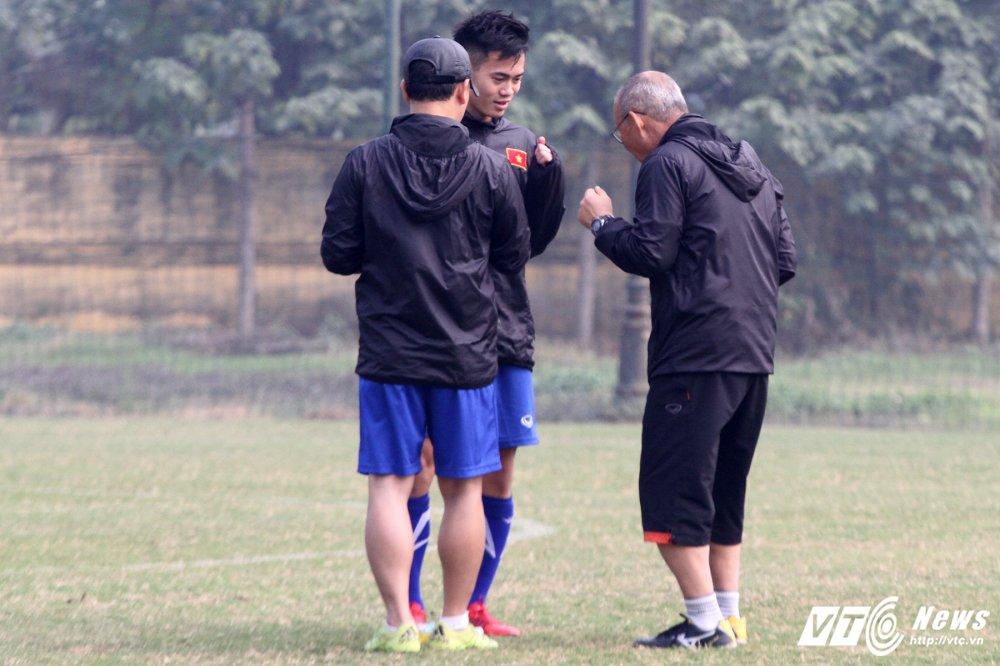 Het Giang Sinh, U23 Viet Nam lai bo hoi tai tap the luc hinh anh 9