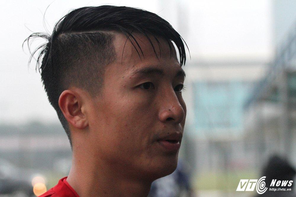 Thay Park Hang Seo tu tay chai chuot, hau ve U23 Viet Nam cuoi tuoi tra loi phong van hinh anh 2