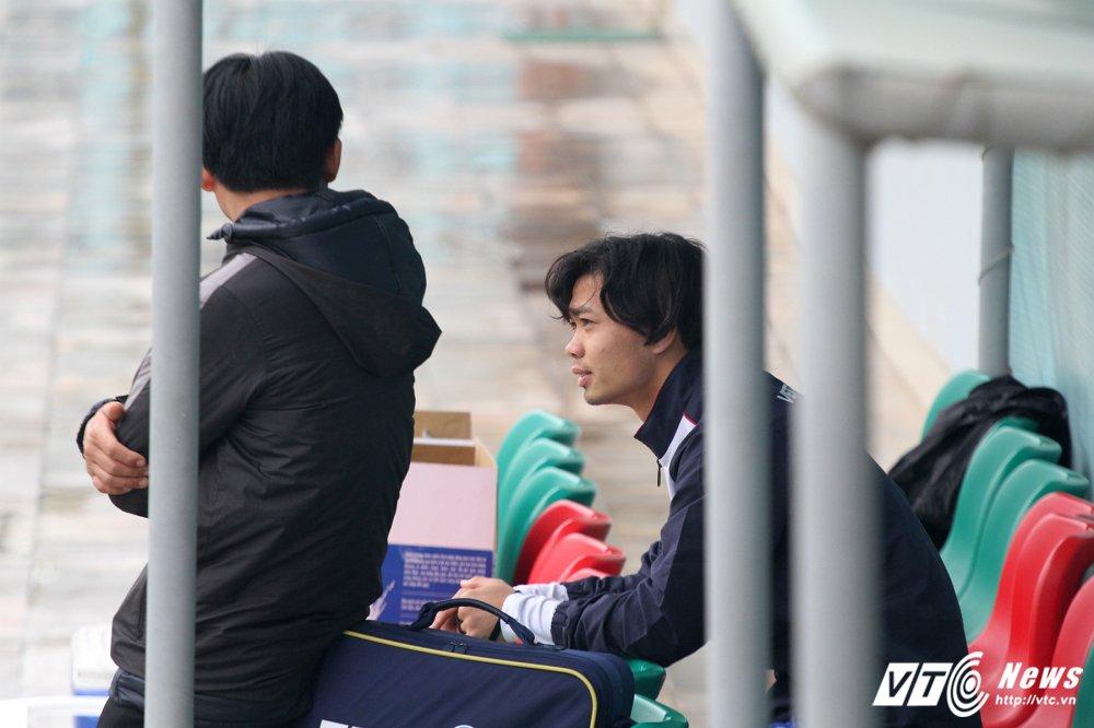 Cong Phuong tap rieng, U23 Viet Nam 'be quan' ren vu khi bi mat hinh anh 2