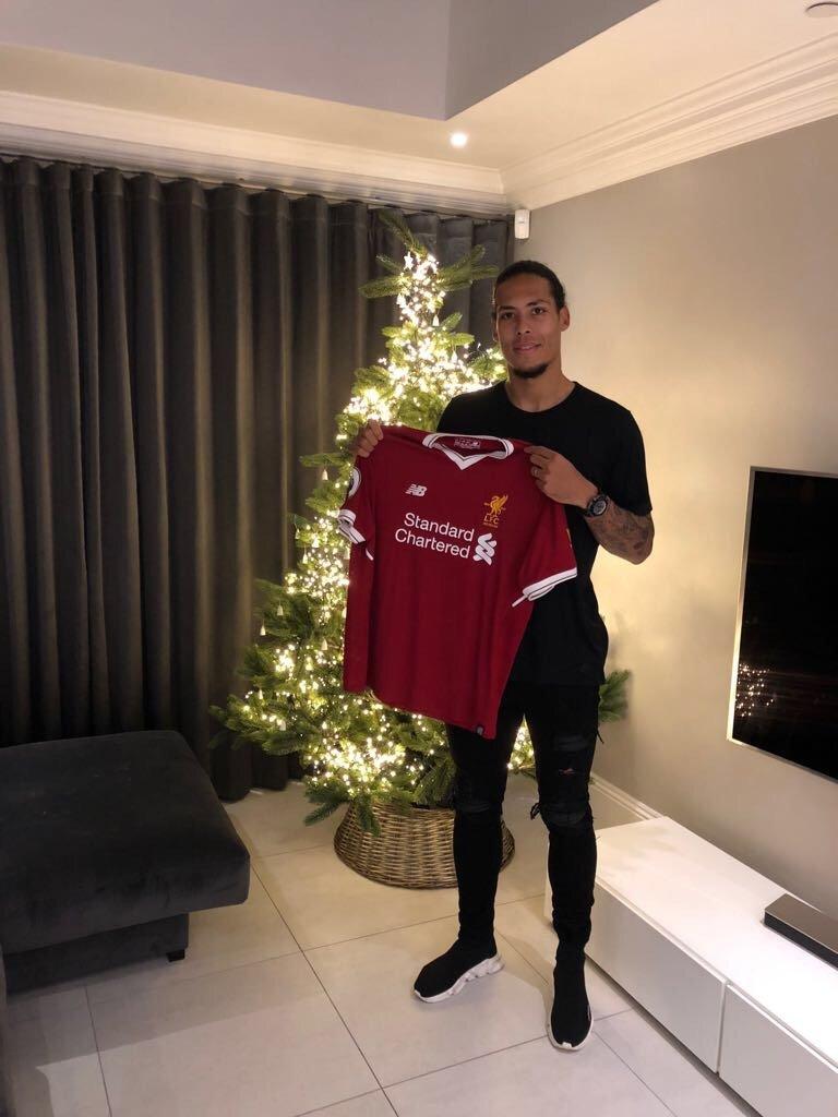 Chuyen nhuong mua dong: Arsenal ban voi Sanchez? hinh anh 1
