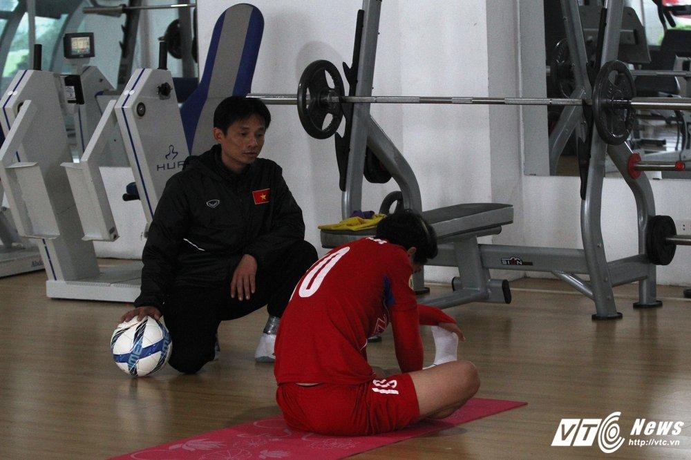 Cong Phuong hoi phuc nhanh, den luot HLV Park Hang Seo chan thuong hinh anh 4