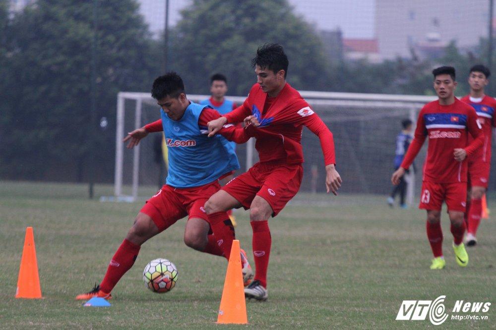 Cong Phuong hoi phuc nhanh, den luot HLV Park Hang Seo chan thuong hinh anh 12